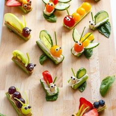 Fruit & Vegetable Bug Snacks for Envirokidz – www.c… Fruit & Vegetable Bug Snacks for Envirokidz – www. Veggie Quinoa Bowl, Vegetable Snacks, Vegetable Animals, Veggie Art, Vegetable For Kids, Vegetable Appetizers, Veggie Food, Vegetable Recipes, Vegetable Garden