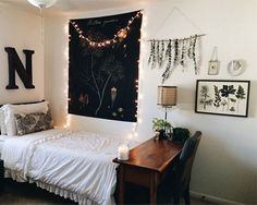 One of the best things about going away to college is the opportunity to decorate your dorm room. You want your dorm room to represent all of the best parts of your personality, and while you want it to be unique and maybe a little quirky, there is probably also a part of you that wants it to look ~trendy~ and ~cool.~ Unfortunately, making your dorm room (or just your bedroom) look chic and stylish can sometimes be pretty expensive.