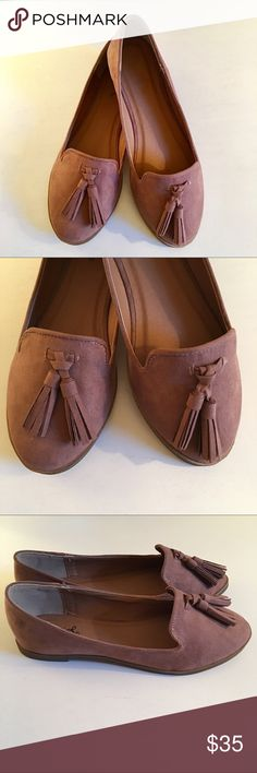 LAST ONE 5.5❣️Taupe/Blush Suede Flat with Tassels Taupe/Blush Suede Flat with Tassels. This beautiful faux suede detailed flat will go with every spring outfit! Almond toe that freshens the look of a shapely loafer, perfect for all day comfort. No Trades. Price is Firm Unless Bundled. GlamVault Shoes Flats & Loafers