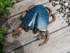 welded garden art | Big Shovel Blue Crab welded garden art