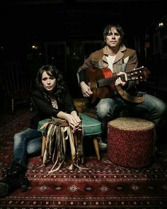 Sarah Lee Guthrie and Jeremy Irons.. They lived and played in Cola