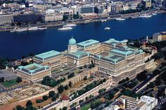 Military History Museum, the Buda Castle and the Danube - Budapest, Hungary Beautiful Castles, Most Beautiful Cities, Capital Of Hungary, Buda Castle, Heart Of Europe, Magic City, Central Europe, Tourism, Places To Visit
