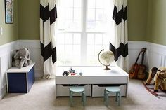 Like the green with the huge black and white chevron curtains.