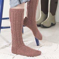 Ohje: Neulotut Palmikkosukat | Lankava.fi Knitting Socks, Hand Knitting, Knitted Hats, Knee High Socks, Boot Cuffs, Yarn Colors, One Color, Leg Warmers, Handicraft