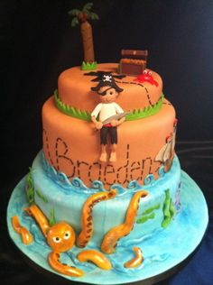 pirate birthday cakes for kids   pirate cake the pirate treasure chest and tree were figures the mother ...