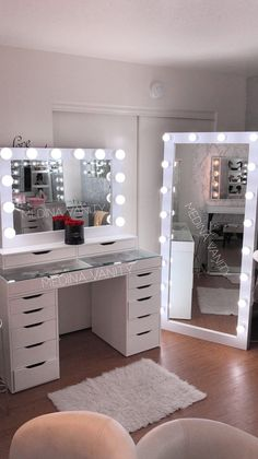 Medina Vanity Rancho Cucamonga CA Professional Makeup Vanity Mirrors cucamongacaprofessional makeup medina mirrors vanity vanityrancho Bedroom Decor For Teen Girls, Girl Bedroom Designs, Room Ideas Bedroom, Ikea Bedroom, Bedroom Small, Mirror In Bedroom, Cute Teen Rooms, Bedroom Furniture, Kid Furniture