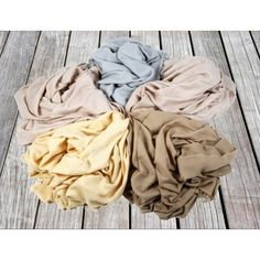 This gorgeous 100% Pure Cashmere throw is the classic colors!!!