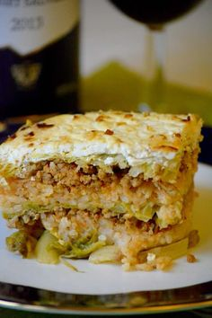 Learn to make Hungarian layered savoy cabbage casserole, Rakott kelkáposzta. Delicious traditional Hungarian recipe, a real comfort food. Cabbage Recipes, Veggie Recipes, Beef Recipes, Great Recipes, Cooking Recipes, Favorite Recipes, Cooking Tips, Holiday Recipes, Supper Recipes