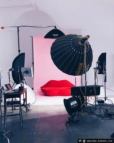 #photographytechniques #photography #techniques #scene Photography Studio Spaces, Photography Lighting Setup, Light Photography, Photography Studios, Softbox Lighting, Lighting Setups, Interior Design Major, Plateau Tv, Photowall Ideas