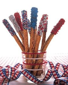 Red White Blue Chocolate Dipped Pretzels - Memorial Day Snacks for Kids!