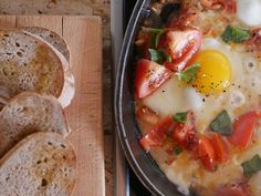 The idea for this light lunch comes from Jamie Oliver's Jamie Cooks Italy. A lot of people are a bit snobby about Jamie Oliver, but my view is that he has done a lot for school food, and he comes up with some original ideas. This dish is very nice - the mozzarella becomes stringy as you would expect, but it also puffs up and becomes a bit airy.