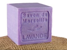 Mydło marsylskie lawendowe Savon de Marseille Lavande More: http://www.etnobazar.pl/search/ca:kosmetyki?limit=128