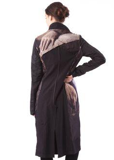 Coat by RUNDHOLZ - dagmarfischermode.de      #coat #rundholz #mainline #designer #german #fashion #germandesigner #style #stylish #styles #outfit #shopping #dagmarfischermode #shop #outfit #cool #lagenlook #oversize #mode #extravagant #germandesigner #spring #summer #hotsummer #springtime