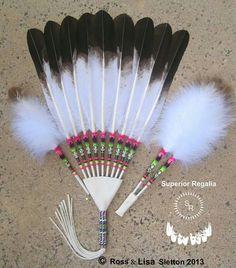 Love Native American Medicine Wheel, Native American Church, Native American Projects, American Indian Crafts, Native American Regalia, Native American Beadwork, Feather Crafts, Feather Art, Feather Design