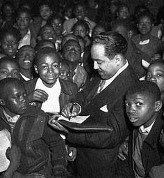 Author Langston Hughes signing autographs in Atlanta 1947 during Negro History week. African American Poets, Langston Hughes, Famous Poets, Social Activist, Poetry Art, Rhymes For Kids, People Of Interest, Book People, Harlem Renaissance