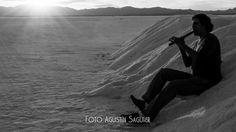 Quena, sal y sol. Salinas Grandes, Jujuy. 2012