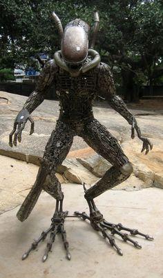 #Sculpture #Metal #Work #Scrap #Alien #Predator #Yaujta
