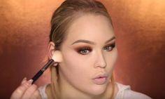Makeup Tutorials & Makeup Tips : Glamorous and Dramatic Holiday Makeup Tutorial for 2016 - Fashion Inspire Easy Diy Makeup, Diy Makeup Storage, Simple Makeup, Simple Eyeshadow, How To Apply Eyeshadow, Eyeshadow Makeup, Makeup Case, Makeup Tips, Makeup Tutorials