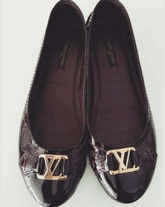 Louis Vuitton flats size 36 $250 Purple patent leather. Oxford flats. Gold coloured buckle. Worn once.  With dustbag #louisvuitton #lv #flats #womensshoes #purple #luxury #ebay #etsy #auction #sell #selling #love #p4foz