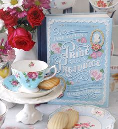 ✨ Win this gorgeous edition of Pride & Prejudice (including recipes!) and a Royal Albert tea cup of your choice! To enter:… Jane Austen, Pride And Prejudice Book, Vintage Mom, Vintage Books, Tea And Books, Book Table, Unique Mothers Day Gifts, Girly Gifts, Books For Teens
