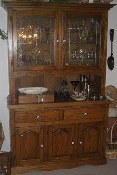 ★ ★ Beautiful Hutch Style Oak China Cabinet