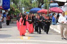 Orfeón Cantando por las calles de HERMOSA PROVINCIA.