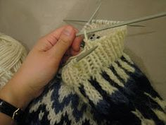 Best ideas for knitting patterns fair isle icelandic sweaters Knitting Quotes, Knitting Videos, Loom Knitting, Knitting Stitches, Free Knitting, Knitting Projects, Baby Knitting, Creative Knitting, Knitting For Kids