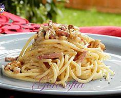 Spaghetti con noci e speck, ricetta rustica