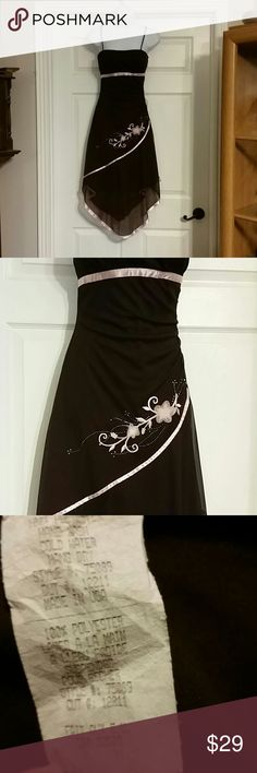 Size medium homecoming dress Size medium homecoming, prom or special occasion dress.  Handkerchief skirt. Super cute unknown Dresses Prom