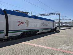 Come muoversi in #Uzbekistan in treno. Tutte le informazioni per le Ferrovie Uzbeke: stazioni, come e dove fare il biglietto, treni, prezzi e storia.