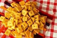 These Whole Wheat Cheez Its make for an easy, fast and delicious snack.