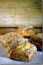 Hefe und mehr » Blog Archive » Joghurt-Sesam-Brötchen