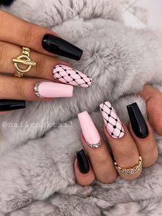 Silver And Pink Nails, Pink Black Nails, Black Nails With Glitter, Cute Pink Nails, Cute Black Nails, Black Nails Short, Fancy Nails, Acrylic Nails Coffin Pink, Acrylic Nail Designs Coffin