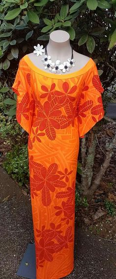 Tatau c Dress Design Patterns, New Dress Pattern, Island Wear, Island Outfit, African Traditional Dresses, Traditional Outfits, Island Wedding Dresses, Samoan Dress, Island Style Clothing
