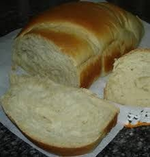 Pão caseiro rápido e fofo My Recipes, Cooking Recipes, Rustic Bread, Easy Banana Bread, Holiday Cakes, Healthy Chicken Recipes, Sweet Bread, Easy Cooking, Bread Baking
