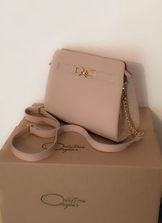 Light up your friday with this nude Cristina Cupar Bag! Leather Bag, Kate Spade, Friday, Nude, Bags, Fashion, Handbags, Moda, La Mode