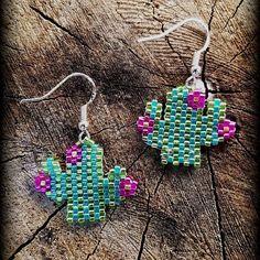 Pair of cactus earrings I made 🌵💚 #succulents #cactus #succulentlove #succulentsofinstagram #succubaby #handmade #peyotestitch #brickstitchearrings #brickstitch #onebeadatatime #handmadejewelry #calitrendz #beadedcactus