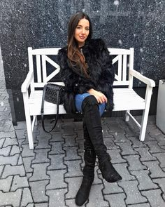 #fashionbloggers #bloggerstyle #americanstyle #ootdmagazine #classyandfashionable #aboutalook #ootdwatch #styleinfluencer #outfitinspo #ootdfashion #livelovebeauty #wearitloveit