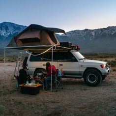 Nothing beats a good meal during sunset. Travel California Mitsubishi montero overlanding rig off-road roof top tent camping awning camp Mitsubishi Cars, Mitsubishi Pajero, Camping Life, Tent Camping, Montero 4x4, Tundra Off Road, Pickup Camping, Roof Top Tent, California Travel