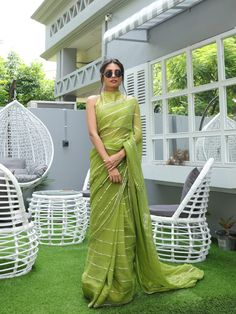 Sari Blouse, Sari Dress, Saree Blouse Designs, The Dress, Sari Silk, Simple Sarees, Trendy Sarees, Stylish Sarees, Indian Fashion Dresses