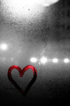 love on a rainy day-bokeh photography Love Photography, Black And White Photography, Rainy Day Photography, Photography Basics, Scenic Photography, Aerial Photography, Landscape Photography, I Love Rain, Black And White Love