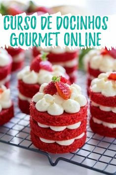 To celebrate a valentine's day, it is nice to bake some Valentine Cake for the whole family. Still got no idea what kind of cake you want to bake? Here we present some best ideas of valentine cake. Mini Cakes, Cupcake Cakes, Cake Fondant, Cake Icing, Buttercream Frosting, Just Desserts, Dessert Recipes, Mini Cake Recipes, Recipes Dinner