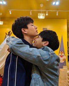 Image about love in Asian gay couple 😆🌈 by Ichikawa tsubaki Boys Korean, Korean Boys Ulzzang, Korean Couple, Ulzzang Couple, Best Couple, Gay Aesthetic, Theory Of Love, Cute Gay Couples, Thai Drama
