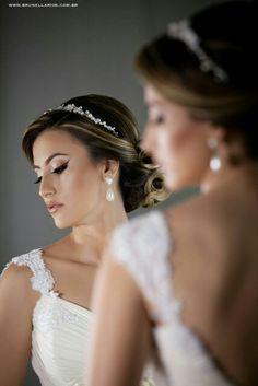Nossa linda noiva com brincos de perola #mairabumachar #arrasou #noivasmb #noivas #bride #bridecollection