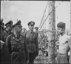 Himmler en un campo de concentracion