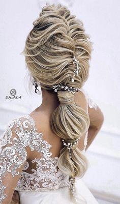 Hair Tips: Trending Hairstyles 2019 - Long Hairstyles Art. Great Hairstyles, Trending Hairstyles, Messy Hairstyles, African Hairstyles, Natural Hair Tips, Natural Hair Styles, Long Hair Styles, Chignon Volume, Fancy Braids