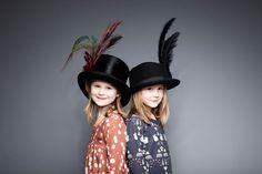 De nieuwe wintercollectie van Modeerska Huset is weer sprookjesachtig mooi. De Modeerska Huset AW15 bevat vele mooie, uniek en wilde prints. Bekijk foto's!