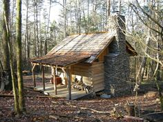 Love the cabin, but oh that amazing stone chimney! Small Log Cabin, Tiny House Cabin, Little Cabin, Log Cabin Homes, Cozy Cabin, Old Cabins, Tiny Cabins, Cabins And Cottages, Rustic Cabins