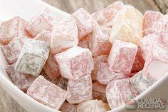 Receita de Bala de gelatina de morango com cachaça - Comida e Receitas