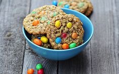 As Mars joins the growing group of multinational food companies pledging to phase out artificial food coloring, its use remains widespread. Here's why it matters. Cronut, Sweet Recipes, Real Food Recipes, Cookie Recipes, Homemade Oatmeal Cookies, Artificial Food Coloring, Vegetarian Chocolate, Cookies Et Biscuits, Cookie Monster
